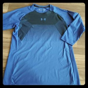 UA HEAT GEAR FITTED WORKOUT T